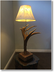 Red Deer Antler Crown Table Lamp